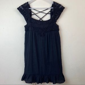 Love Stitch Black Top criss cross size Large